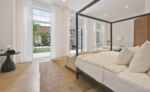 Take a look inside Jennifer Lopez's new house. The luxury penthouse apartment, located in NoMad's Whitman Building, overlooks Madison Square Park.