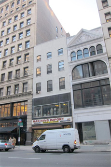 242 fifth avenue is being developed into a four until apartment building